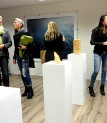 visitors of fritz pre-opening vernissage